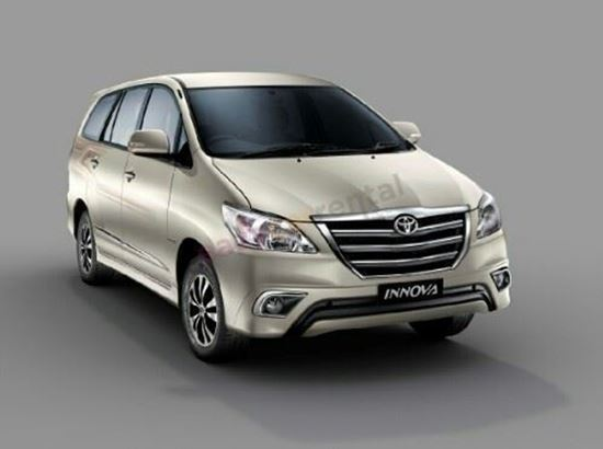 Picture of Toyota Innova 2015